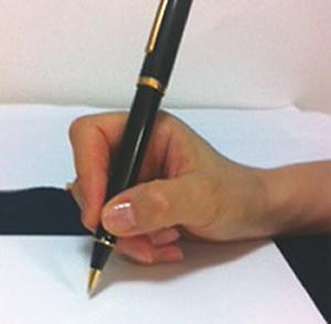 ペンの持ち方例